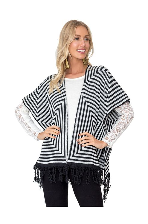 Poncho-tricot-Preta-off-white