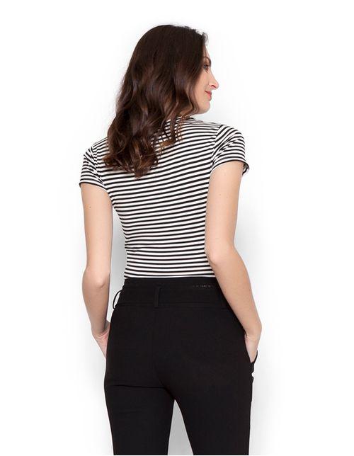 Blusa-cropped-listrada-preto-branco-