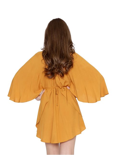 Vestido-kaftan-manga-borboleta-mostarda